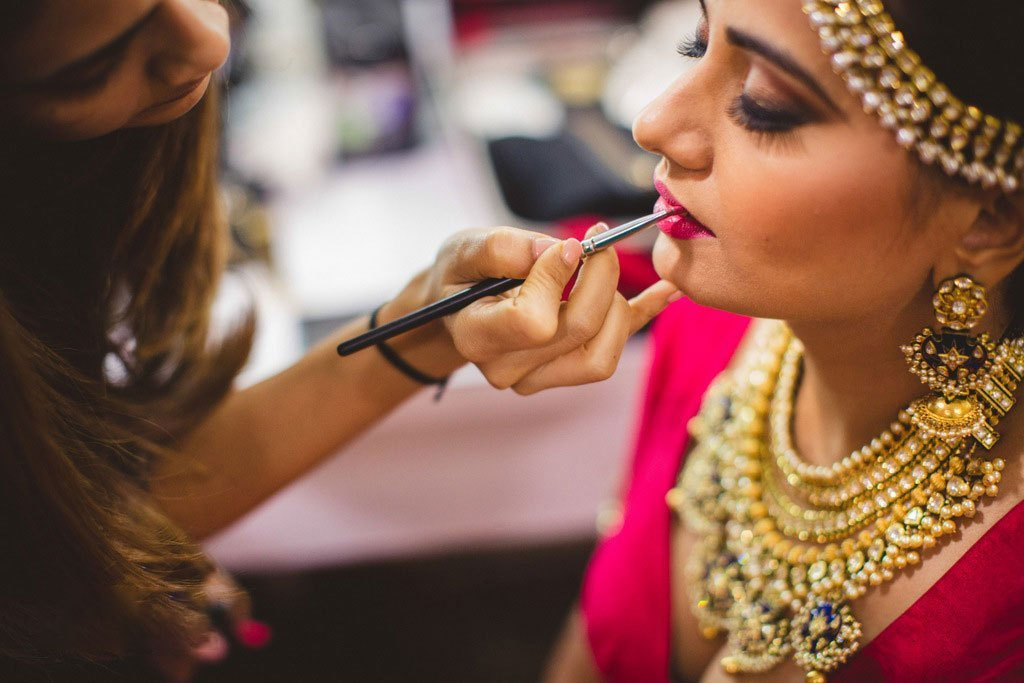 Bridal Makeup Guide - Makeup for Every Bride-to-be on Her Wedding Functions